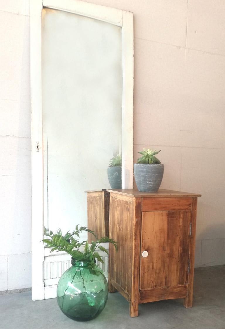 Oude spiegeldeur